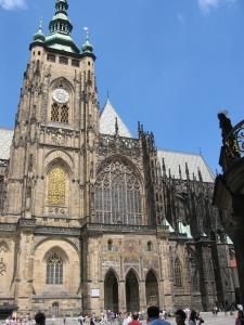 Pyhän Vituksen katedraali linnan alueella