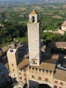 Näkymää San Gimignanon korkeimmasta tornista Torre Grossasta, korkeus 54 m