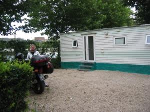 Pariisin leirintäalueen mökki
