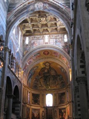 Duomo di Pisa sisältä