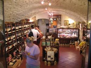 Viinikaupassa Raddassa