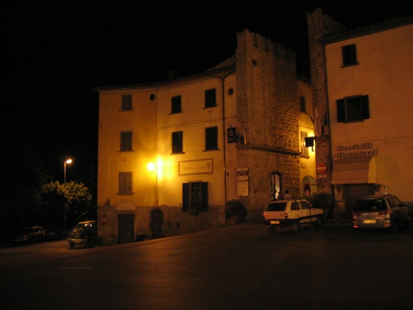 Radda by night