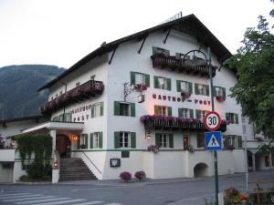 Gasthof Post, illan ruokapaikka Prutzissa Itävallassa