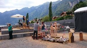 Brienzissä oli menossa puuveistoskilpailut.