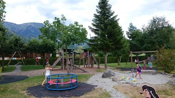 Aaregg Familiencampingplatz - leikkipaikka