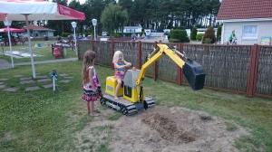 Ostseecamp Suhrendorf - lapset eivät leikkeihin yhteistä kieltä tarvitse