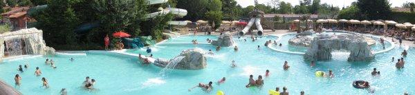 Piani di Clodia - osa alueen toisesta uima-allasalueesta