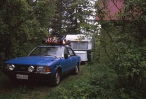 Vanhempien ensimmäinen Kafi. Veturina Ford Granada 2.0 bensa
