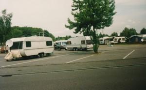 Leirintäalueella lähellä Hockenheimia. Vuokra Solifer veturin perässä.