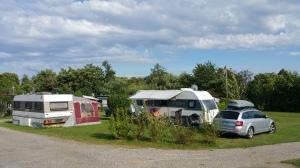 Camping Schüttehof - priimapaikka allas-alueen ja leikkipaikan vierestä