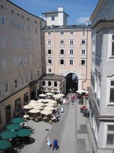Salzburg - näkymää Mozartin synnyinkodista