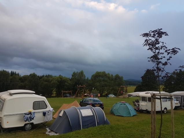 Camping Chvalsiny - kalustoa oli laidasta laitaan
