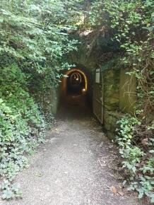 Cháteau de Brissac - linnan viereinen tunneli