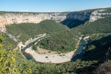 Ardeche - jokea ylhäältä kuvattuna