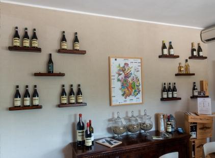 Fratelli Serio & Battista Borgogno - tastinhg tilasta - näytillä mm. maa-ainekset